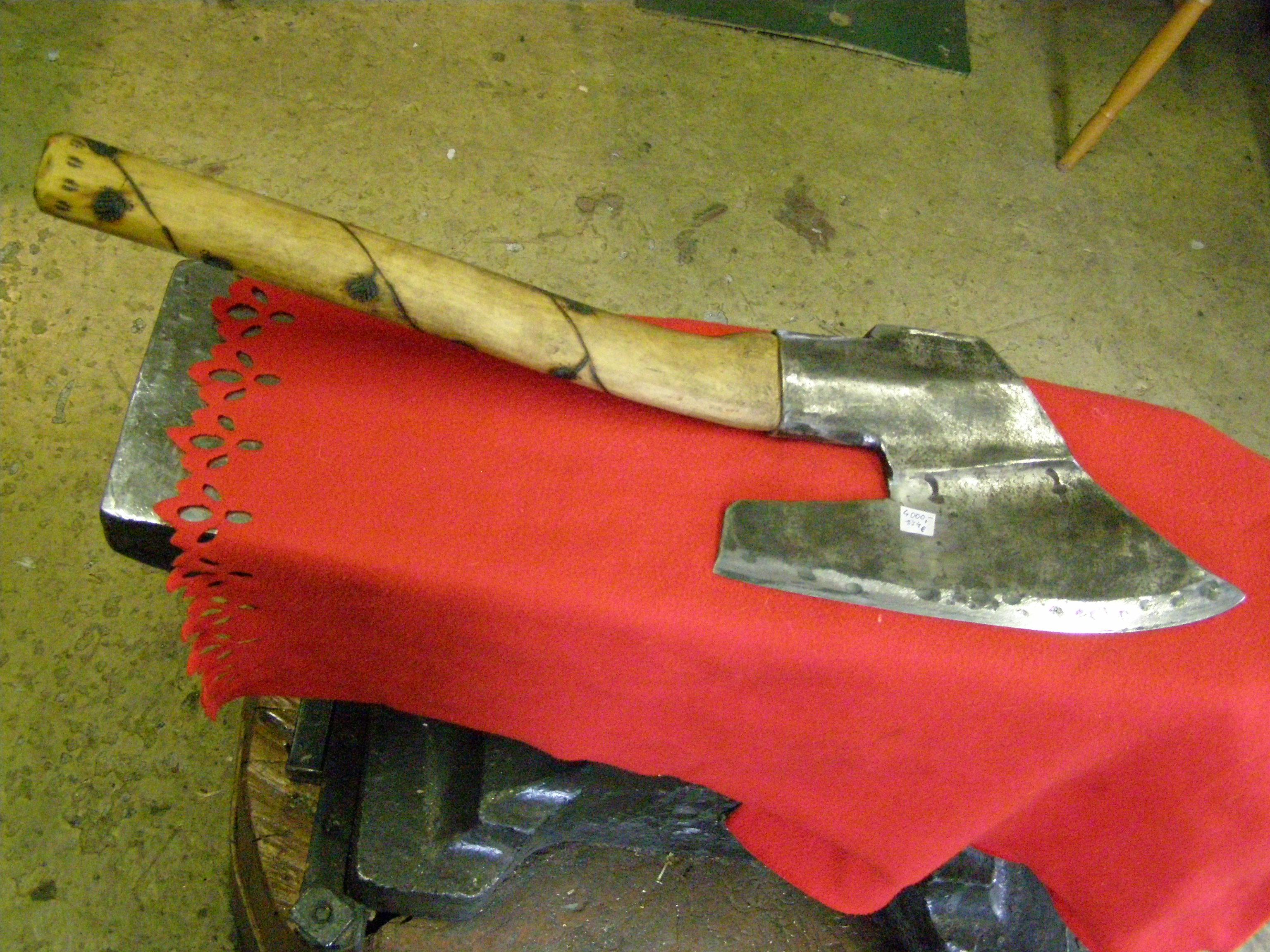 fa5c4ec4738 sekera kovaná tesařská širočina menší - Kovárna Grygar